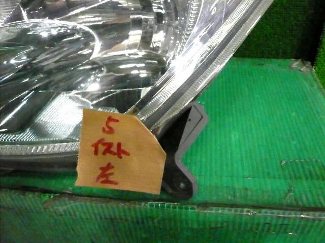 Фара TOYOTA IST NCP60. Фото 3
