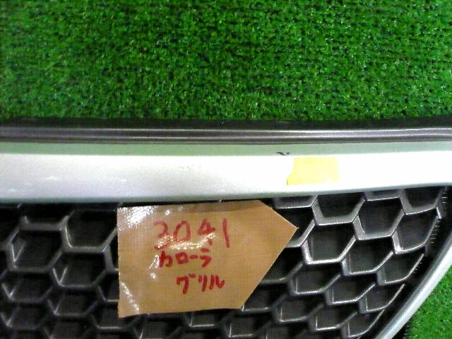 Решетка радиатора TOYOTA COROLLA FIELDER NZE121G. Фото 2