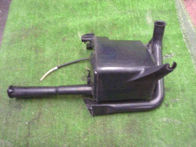 Бачок омывателя TOYOTA MARK II BLIT GX110W. Фото 3