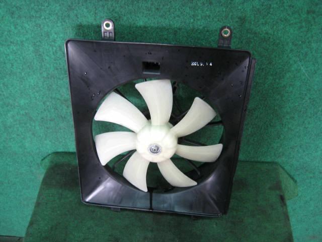 Вентилятор радиатора ДВС HONDA STREAM RN1 D17A. Фото 2