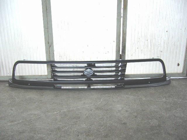 Решетка радиатора SUZUKI ESCUDO TA01W. Фото 8