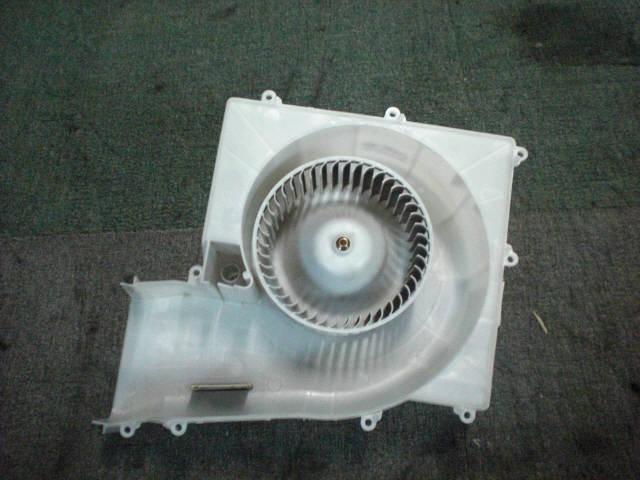 Мотор печки NISSAN SUNNY FNB15. Фото 6