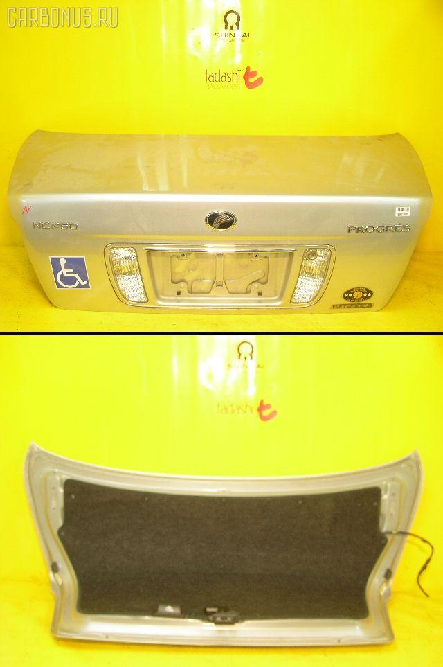 Крышка багажника TOYOTA PROGRES JCG10. Фото 5