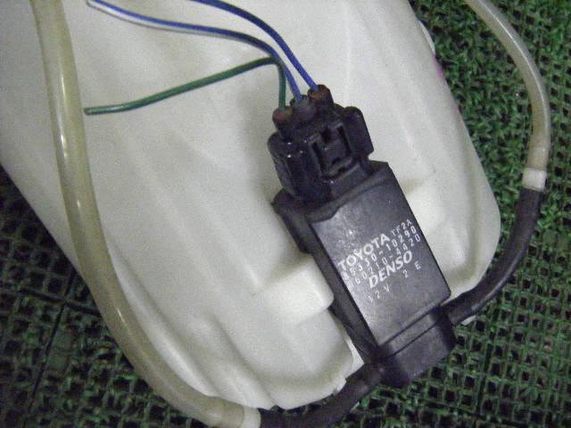 Бачок омывателя TOYOTA IST NCP60. Фото 2