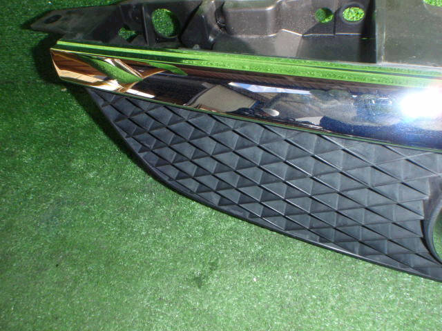Решетка радиатора MAZDA FAMILIA BJ5P. Фото 6
