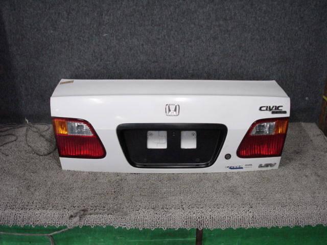 Крышка багажника HONDA CIVIC FERIO EK3. Фото 4