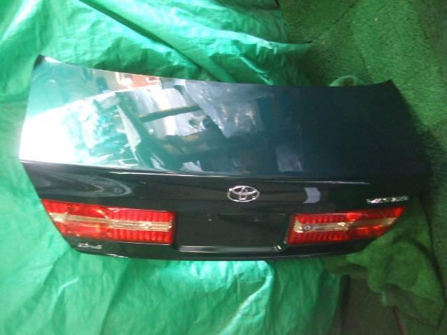 Крышка багажника TOYOTA VISTA SV50. Фото 9