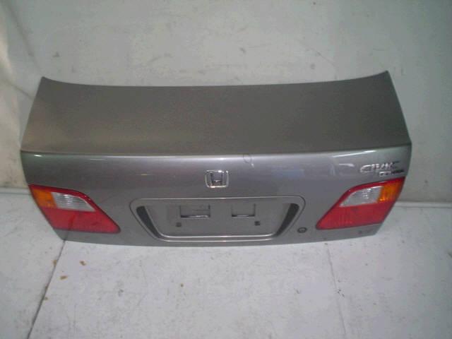 Крышка багажника HONDA CIVIC FERIO EK3. Фото 8