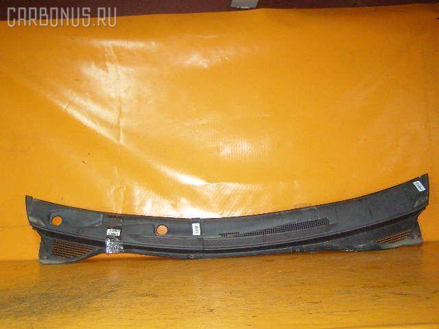 Решетка под лобовое стекло NISSAN SERENA PC24. Фото 1