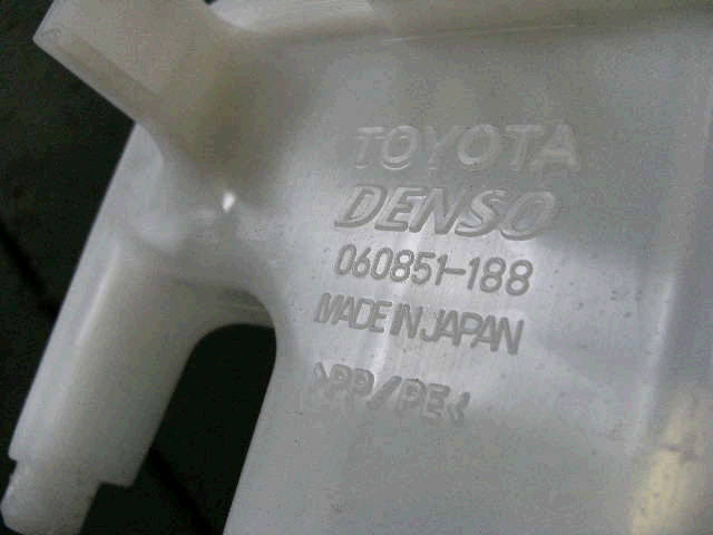 Бачок омывателя TOYOTA VITZ SCP90. Фото 2