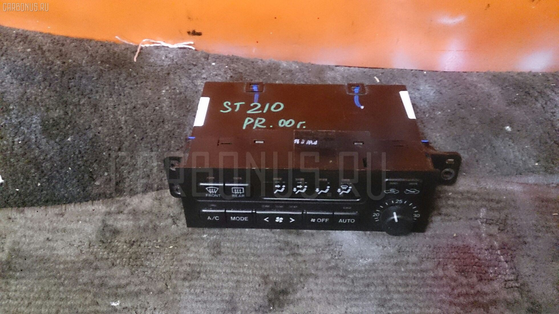 Блок управления климатконтроля TOYOTA CORONA PREMIO ST210 3S-FE. Фото 1