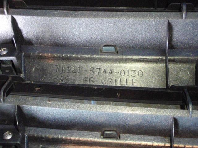 Решетка радиатора HONDA STREAM RN2. Фото 4
