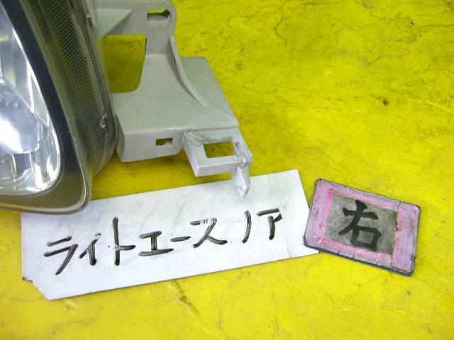 Фара TOYOTA LITE ACE NOAH SR40G. Фото 11