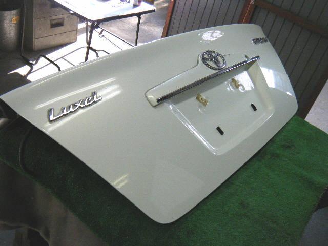 Крышка багажника TOYOTA COROLLA ZZE122. Фото 11