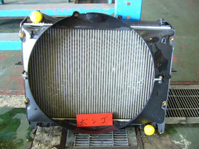 Радиатор ДВС MAZDA BONGO SK22M R2. Фото 2