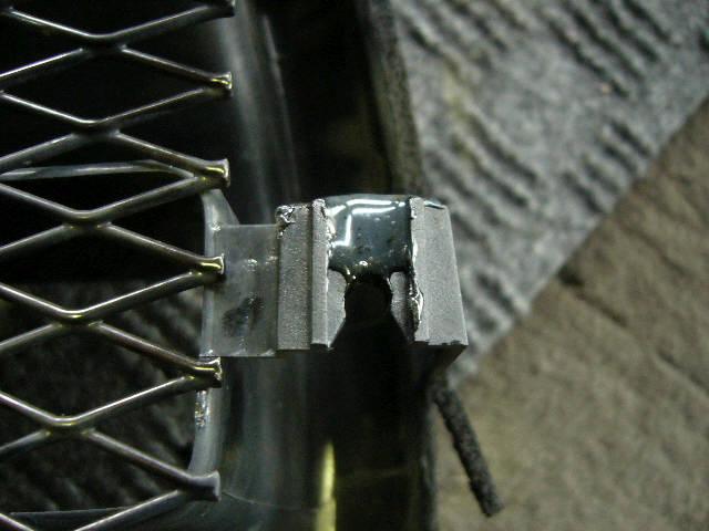 Решетка радиатора SUBARU FORESTER SG5. Фото 8