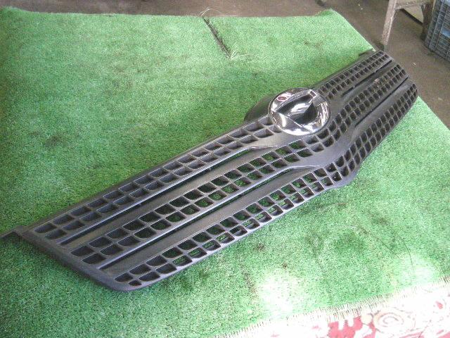 Решетка радиатора TOYOTA COROLLA SPACIO ZZE122N. Фото 4