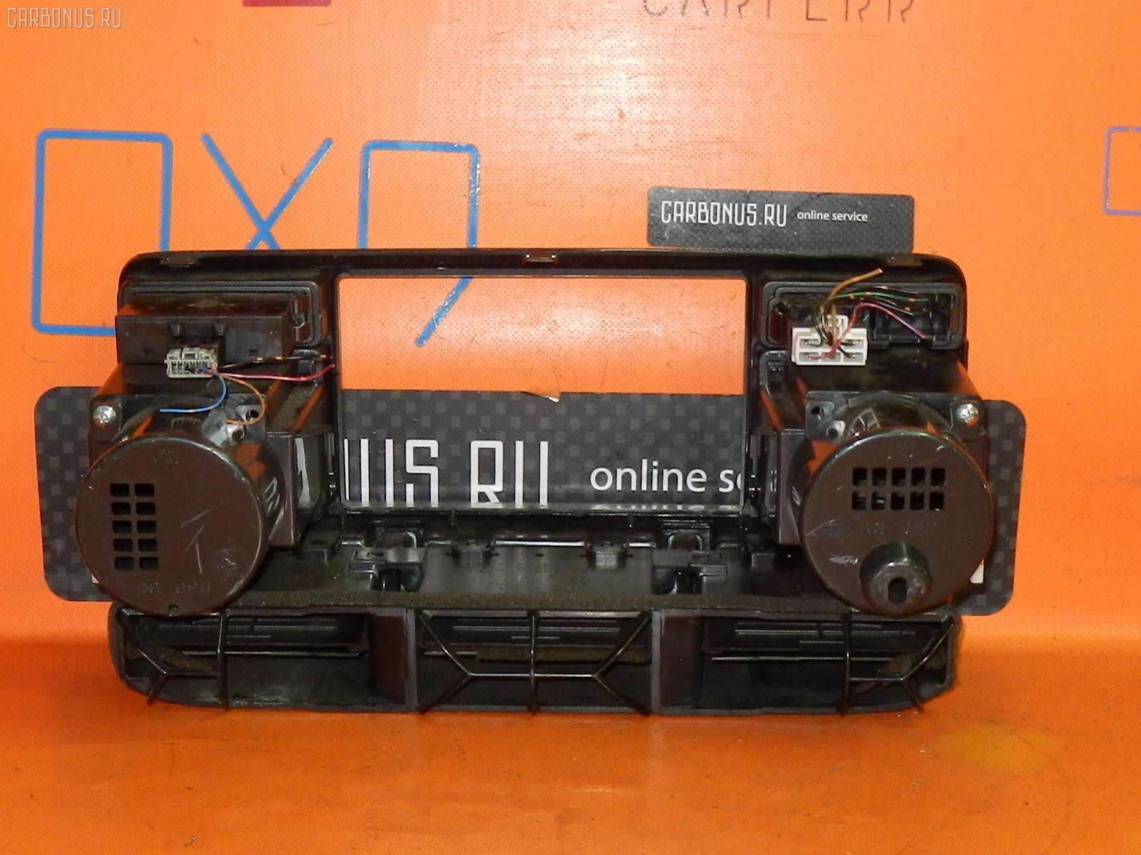 Консоль магнитофона NISSAN X-TRAIL NT30 Фото 1