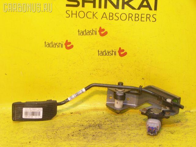 Педаль подачи топлива NISSAN LIBERTY RM12 QR20DE. Фото 2
