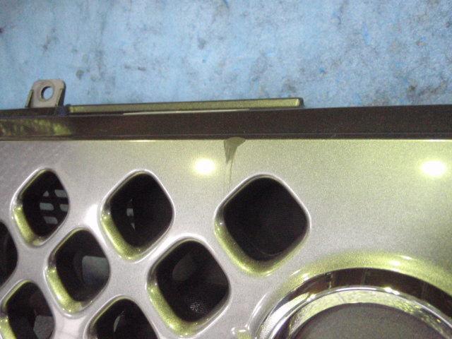 Решетка радиатора NISSAN CUBE BNZ11. Фото 2