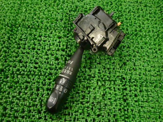 Переключатель поворотов TOYOTA PROBOX NCP51V. Фото 4