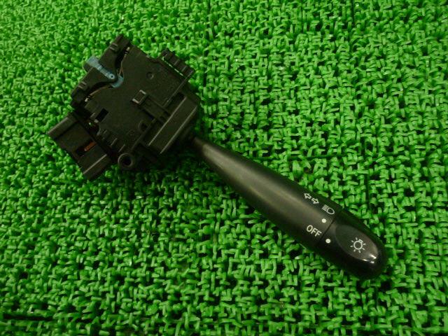 Переключатель поворотов TOYOTA PROBOX NCP51V. Фото 3