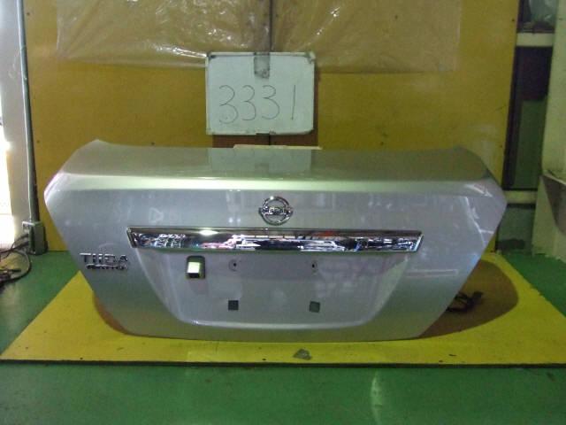 Крышка багажника NISSAN TIIDA LATIO SC11. Фото 11