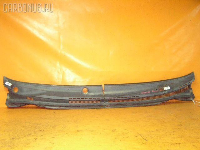 Решетка под лобовое стекло TOYOTA COROLLA RUNX NZE121. Фото 1