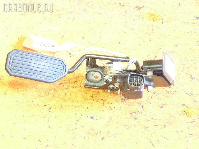 Педаль подачи топлива TOYOTA CALDINA AZT246W 1AZ-FSE. Фото 1