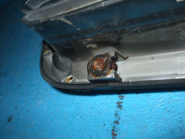 Решетка радиатора SUBARU LEGACY WAGON BH5. Фото 5