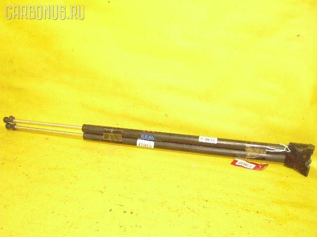 Амортизатор двери HONDA MOBILIO SPIKE GK2. Фото 1