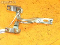 Крепление капота Honda Stepwgn RF4 Фото 1