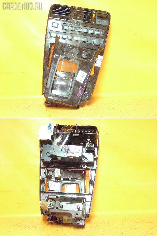 Консоль магнитофона TOYOTA MARK II GX90. Фото 3