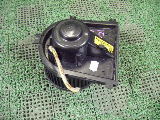 Мотор печки VOLKSWAGEN GOLF IV 1JAGN. Фото 7