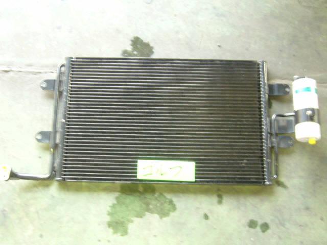 Радиатор кондиционера VOLKSWAGEN GOLF IV 1JAGU AGU. Фото 5