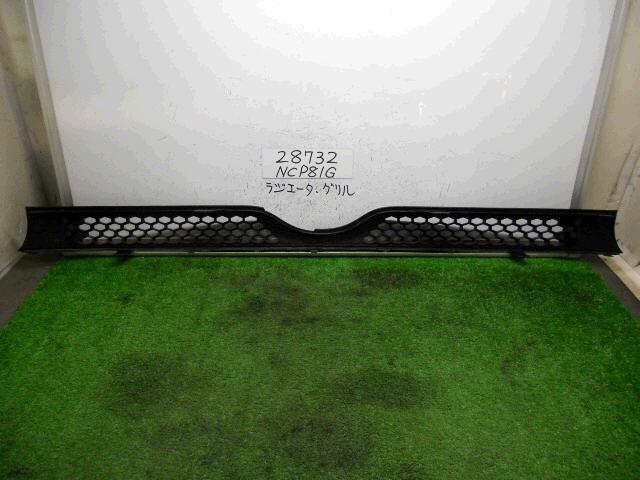 Решетка радиатора TOYOTA SIENTA NCP81. Фото 3