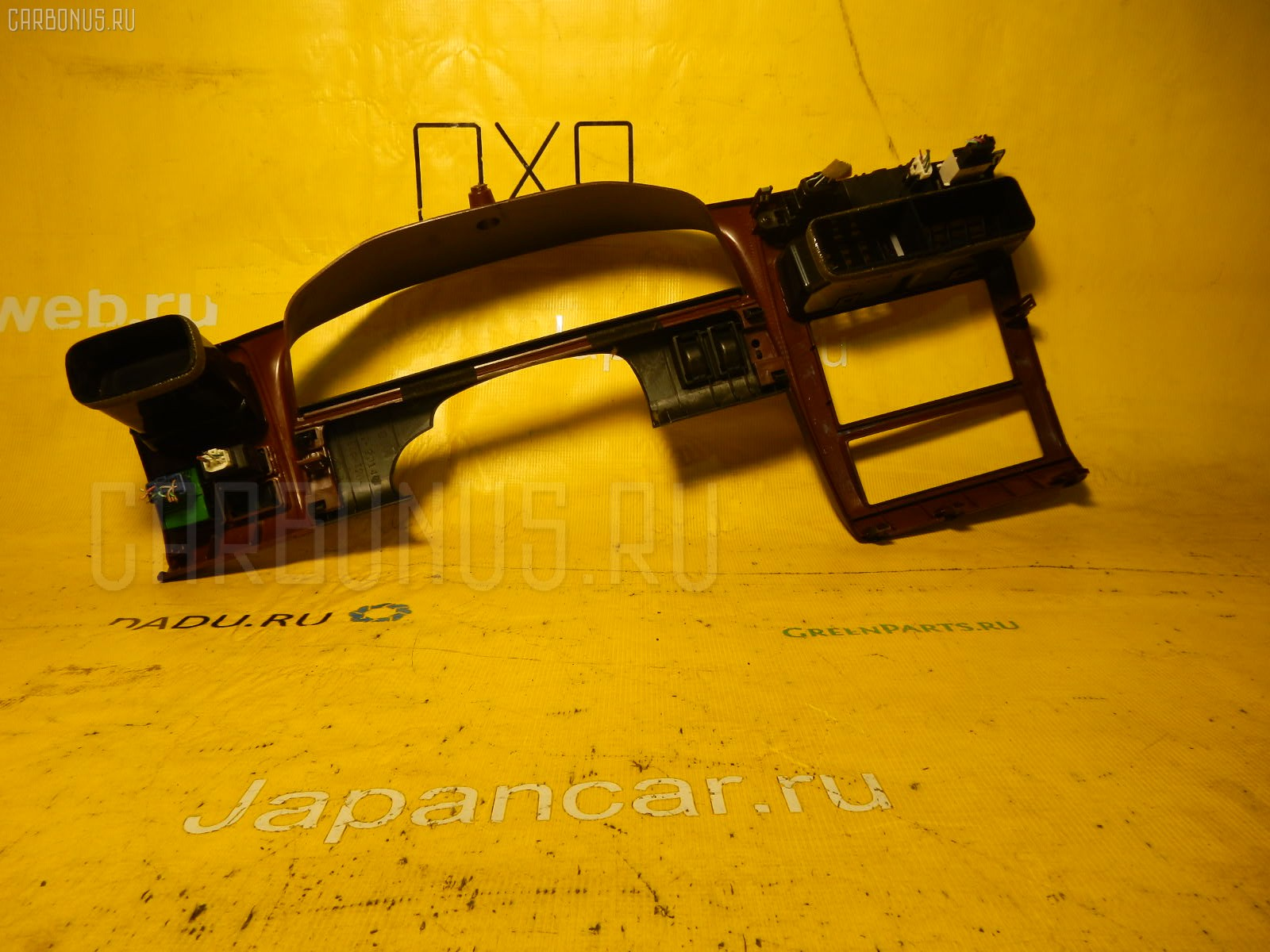 Консоль магнитофона TOYOTA CORONA PREMIO ST210. Фото 1