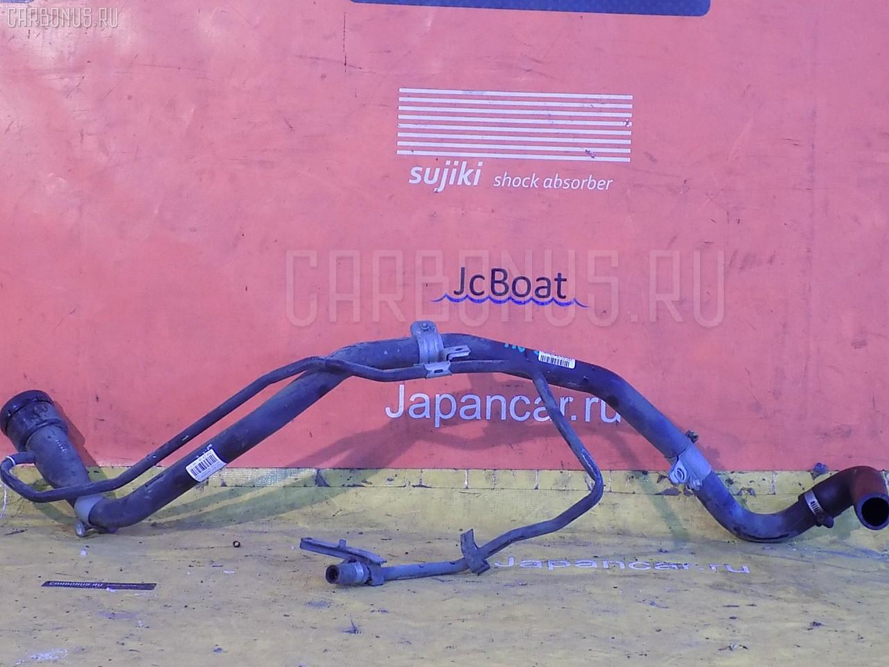 Заливная горловина топливного бака TOYOTA ALLION ZZT240 1ZZ-FE. Фото 1