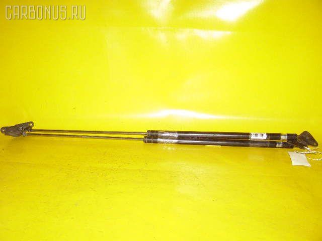 Амортизатор двери TOYOTA SPRINTER CARIB AE95G. Фото 1