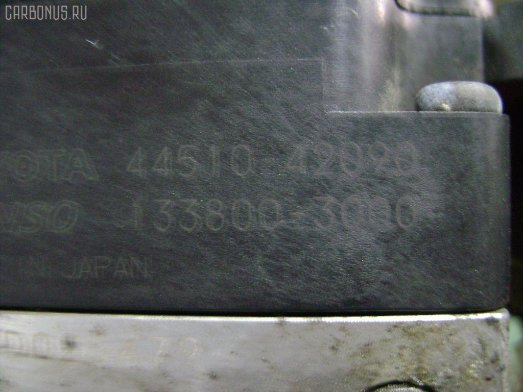 Блок ABS TOYOTA VOXY AZR65G 1AZ-FSE Фото 1