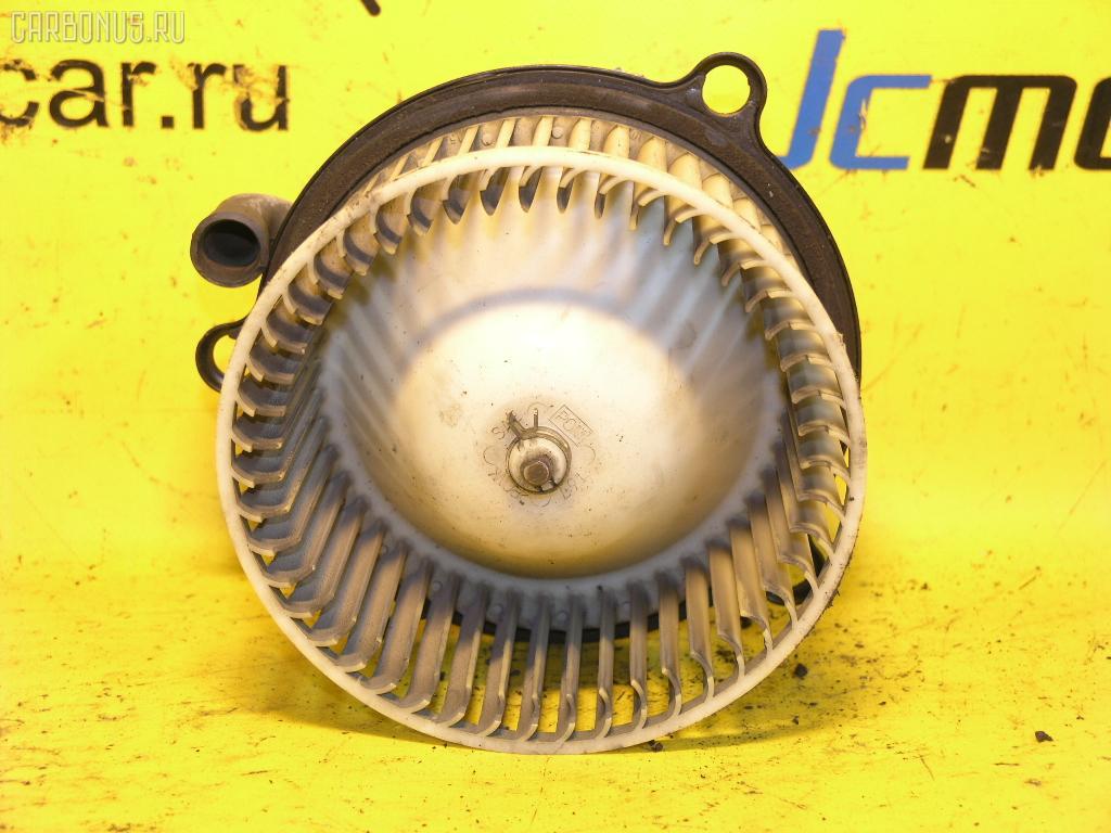 Мотор печки TOYOTA ESTIMA EMINA TCR10G. Фото 2