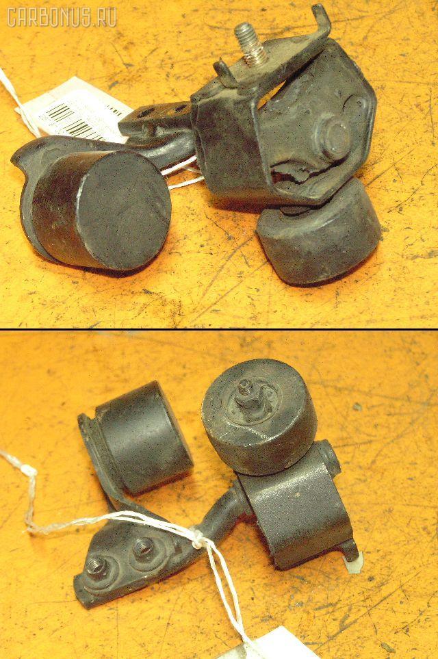 Крепление глушителя TOYOTA SPRINTER CARIB AE115G 7A-FE. Фото 1