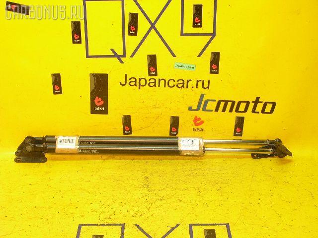 Амортизатор двери TOYOTA IPSUM SXM10G. Фото 5