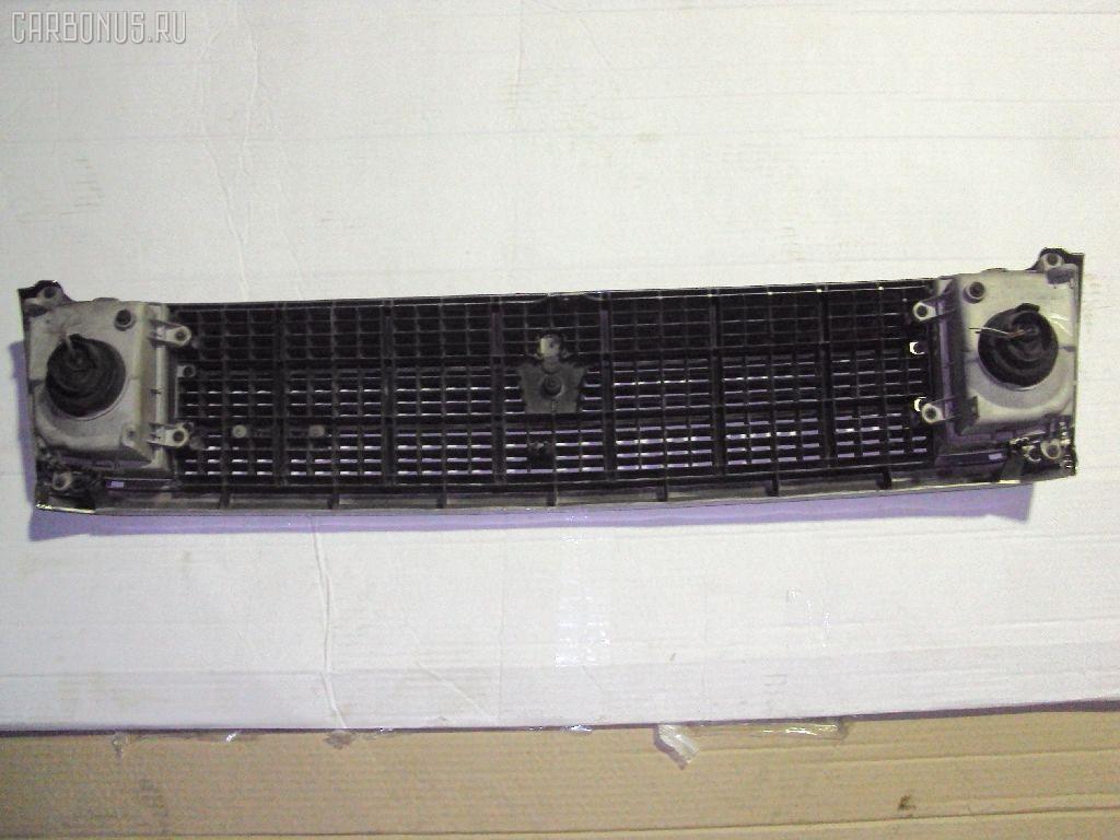 Решетка радиатора TOYOTA CROWN MS137. Фото 2