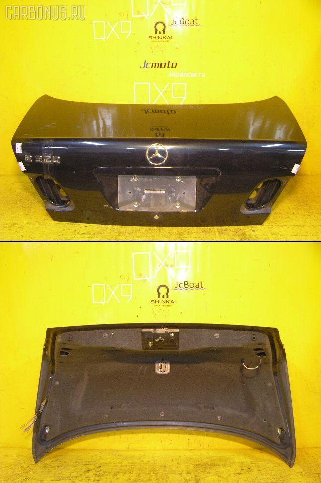 Крышка багажника MERCEDES-BENZ E-CLASS W210.055. Фото 1