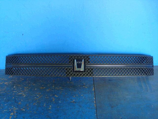 Решетка радиатора TOYOTA VOXY AZR65G. Фото 7