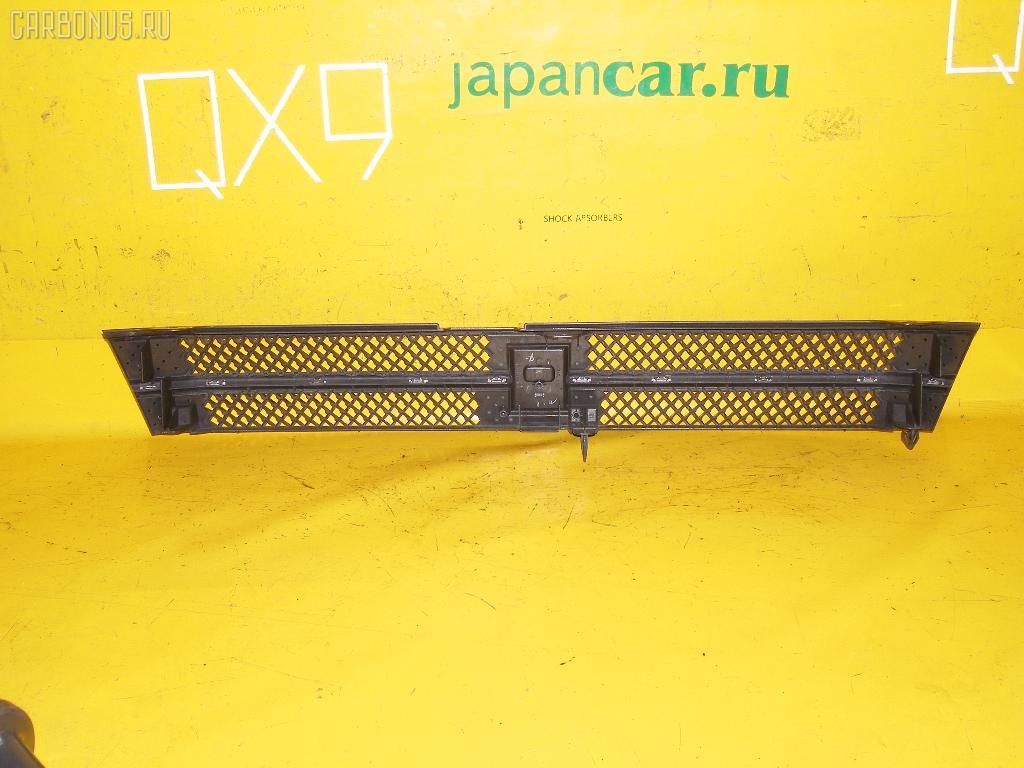 Решетка радиатора TOYOTA VOXY AZR65G. Фото 4