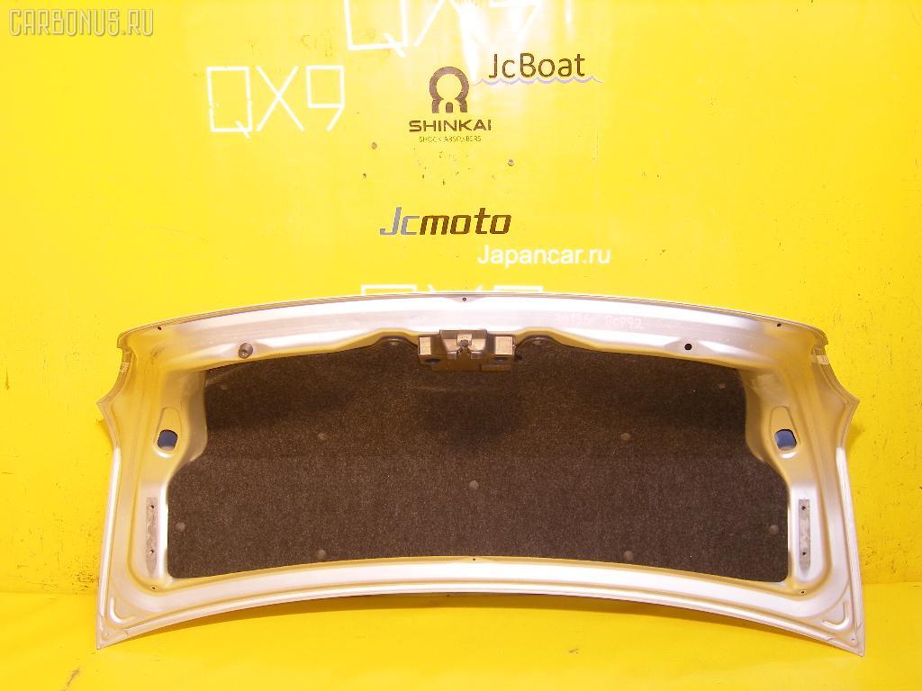Крышка багажника TOYOTA BELTA SCP92. Фото 6