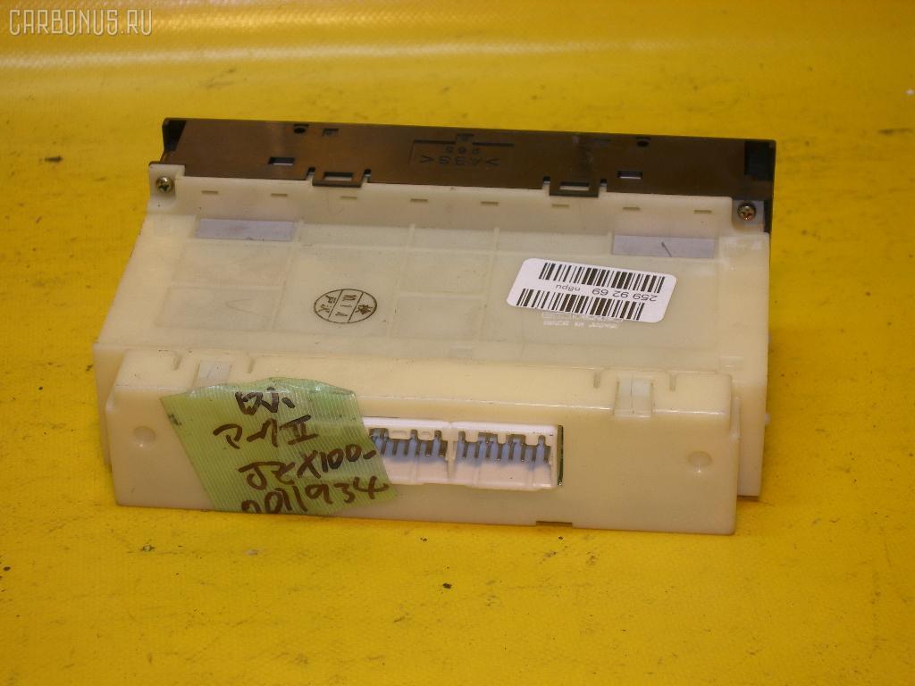Блок управления климатконтроля TOYOTA MARK II JZX100 1JZ-GE. Фото 5