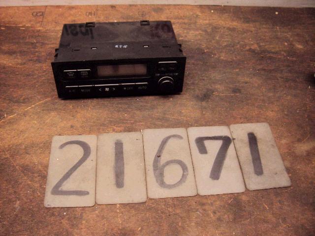 Блок управления климатконтроля TOYOTA MARK II JZX100 1JZ-GE. Фото 11